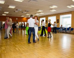 Gesellschafts-Tanz